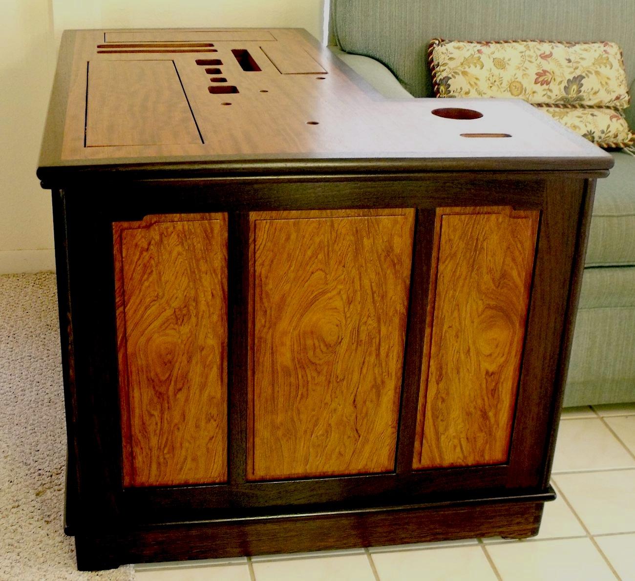 Computer desk design within reach for Design within reach desk