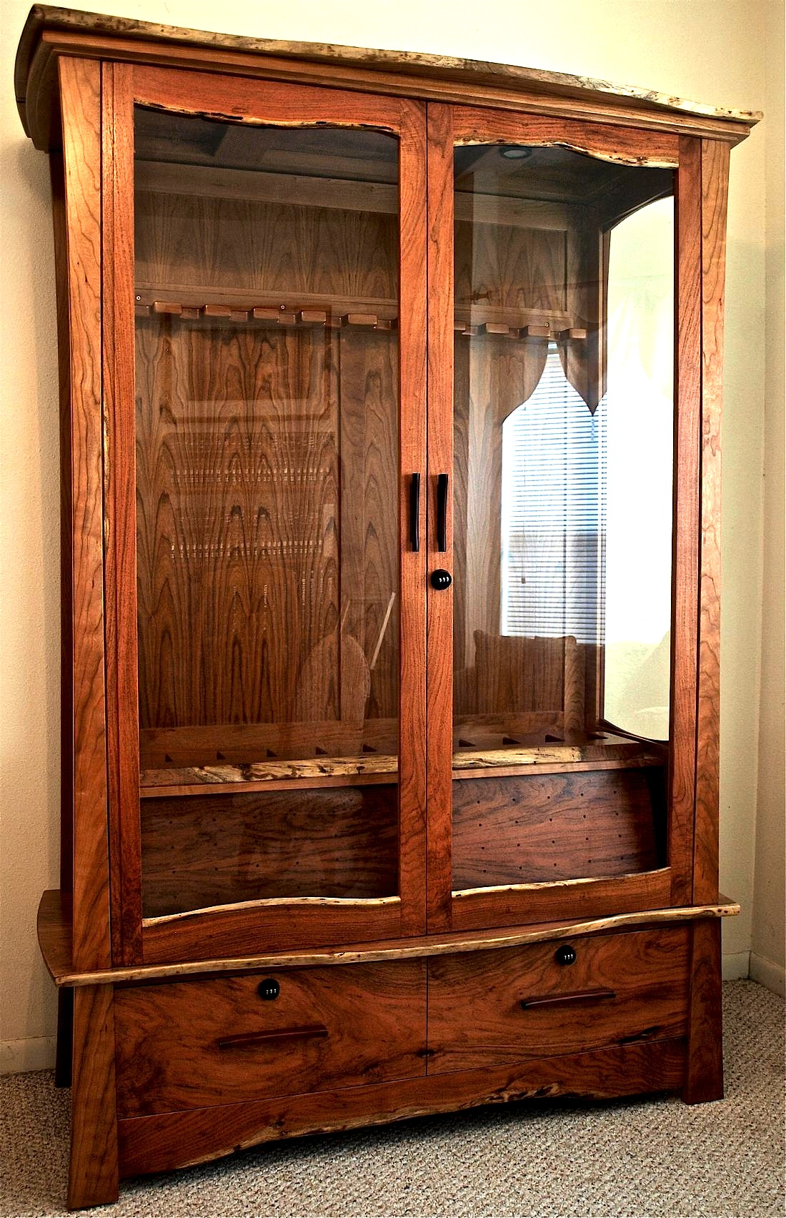 mesquite cherry gun cabinet louis fry a furniture. Black Bedroom Furniture Sets. Home Design Ideas