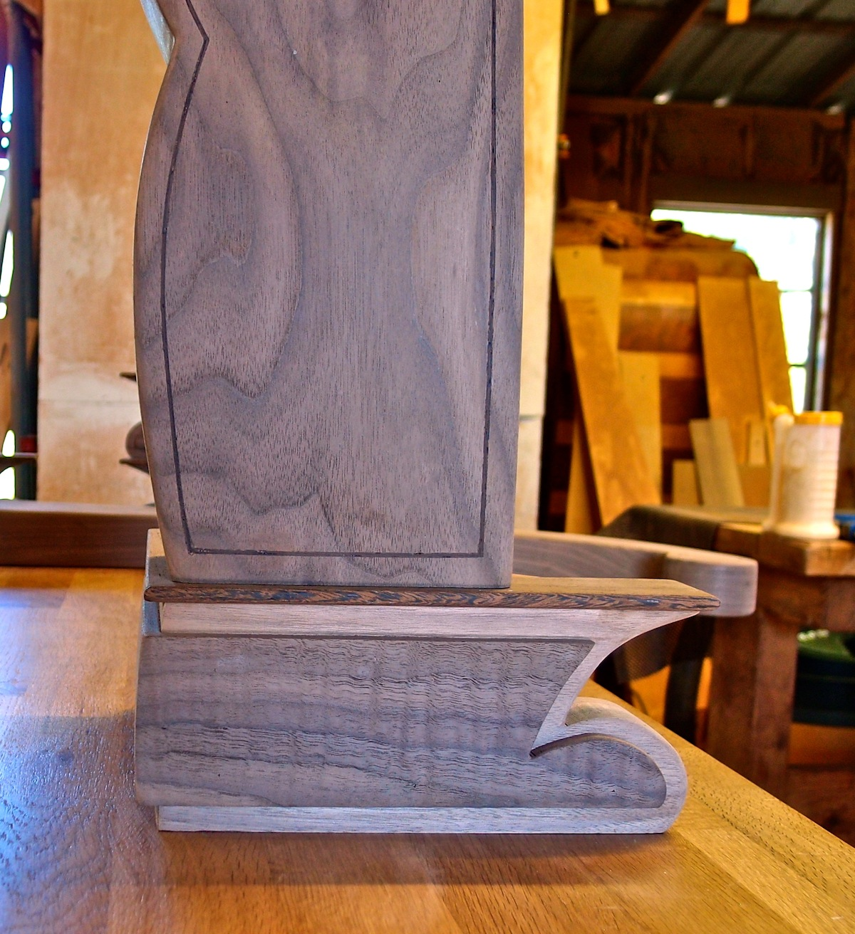 bracket foot with sleigh bed post