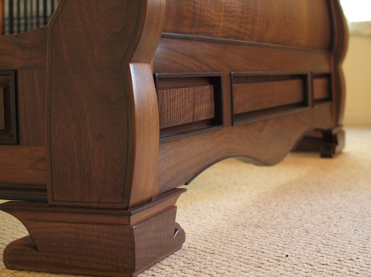 sleigh bed details